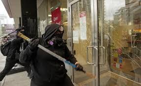 Nuit Debout ambigu face à la violence des groupes violents