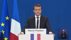 Macron prononçant un mot à l'issue du premier tour des élections présidentielles 2017